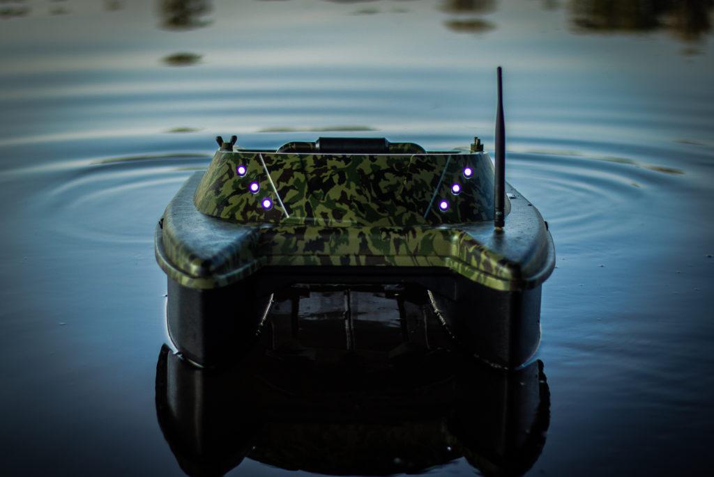 Zavážecí loďka