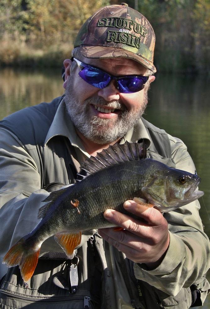 rybář s úlovkem