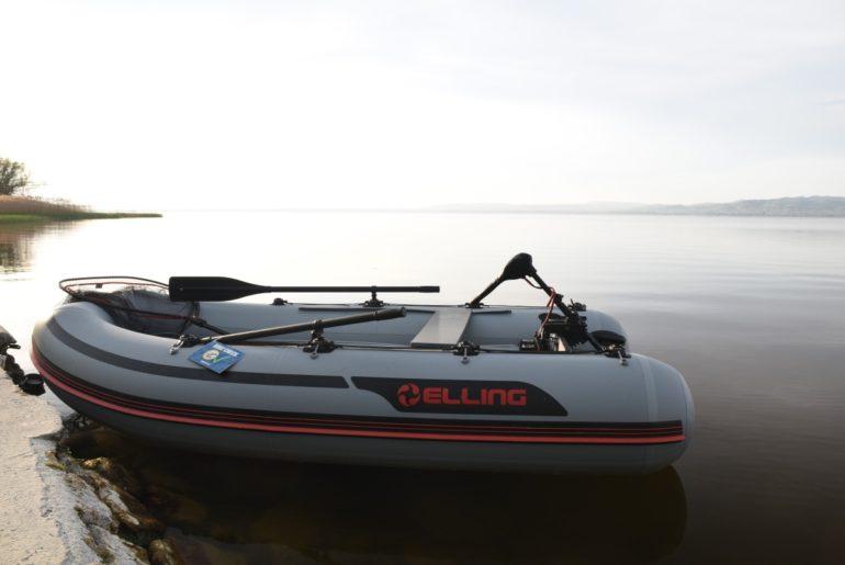 rybářský člun