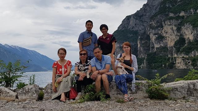 šon rodina na výletě